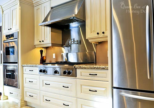 How To Clean Stainless Steel - Smudges, Prints, and Streaks