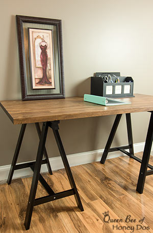 DIY an Easy Faux Reclaimed Wood Table | Furniture | Makeover | refinish | contact paper