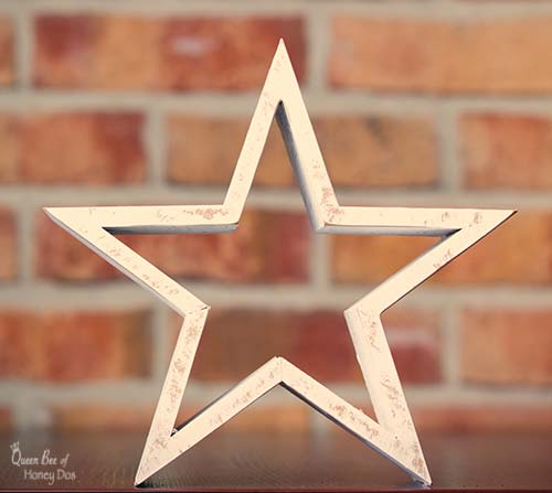How To Make Farmhouse Style Wooden Stars! #DIY project for any skill level woodworker. Don't worry, I will show you how to make these angles! #woodworking #queenbeeofhoneydos